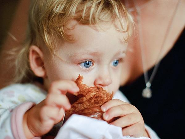 ¿Conlleva el BLW un aumento del riesgo de atragantamiento para el bebe?